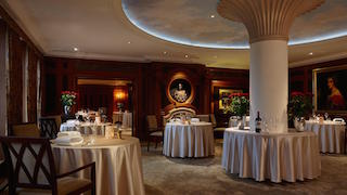 A picture of the Adlon restaurant from inside