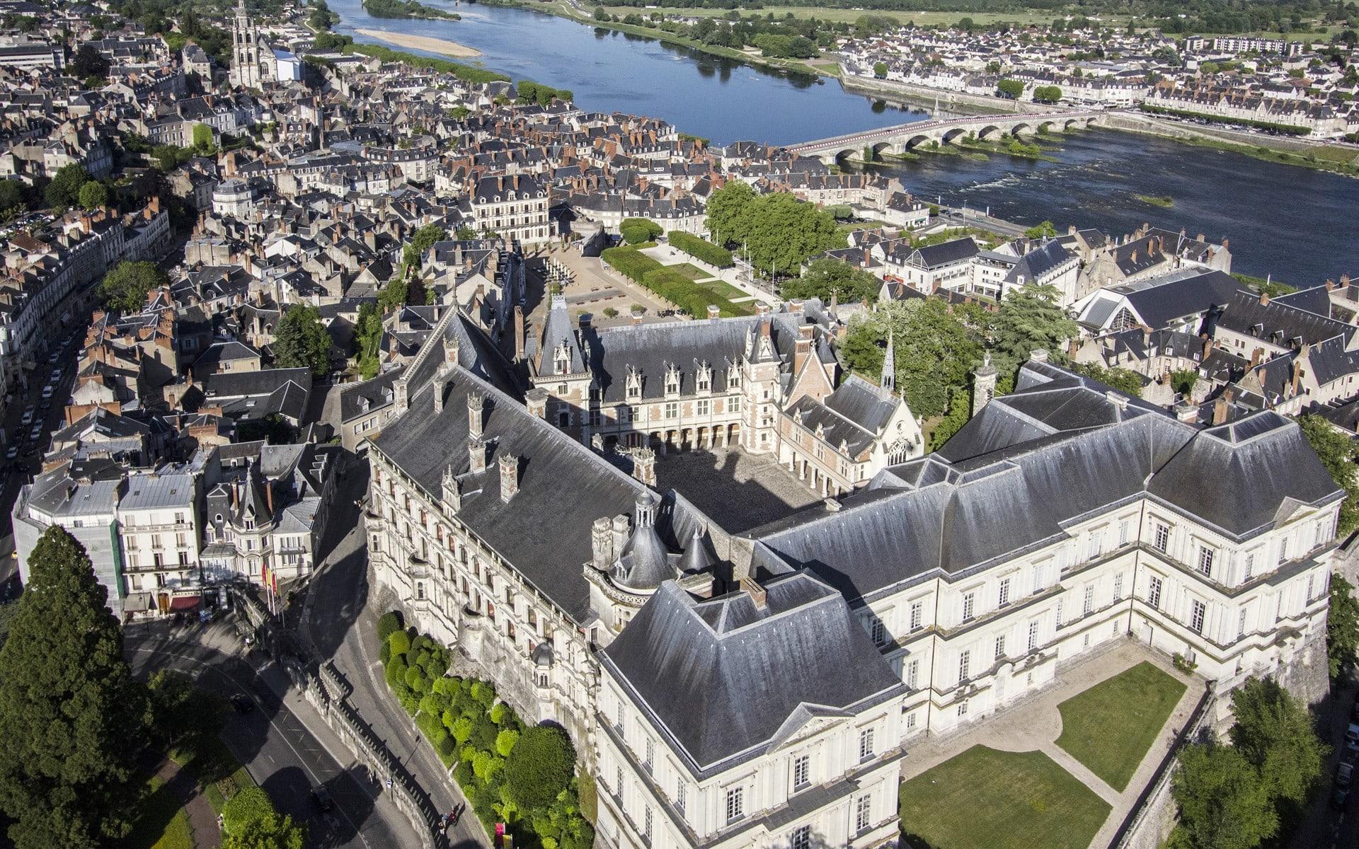 Chateau de Blois min