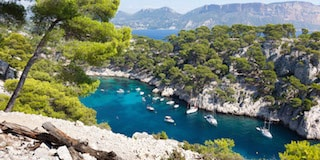 This beautiful picture shows the Calanques of Marseille