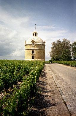 256px Château La Tour