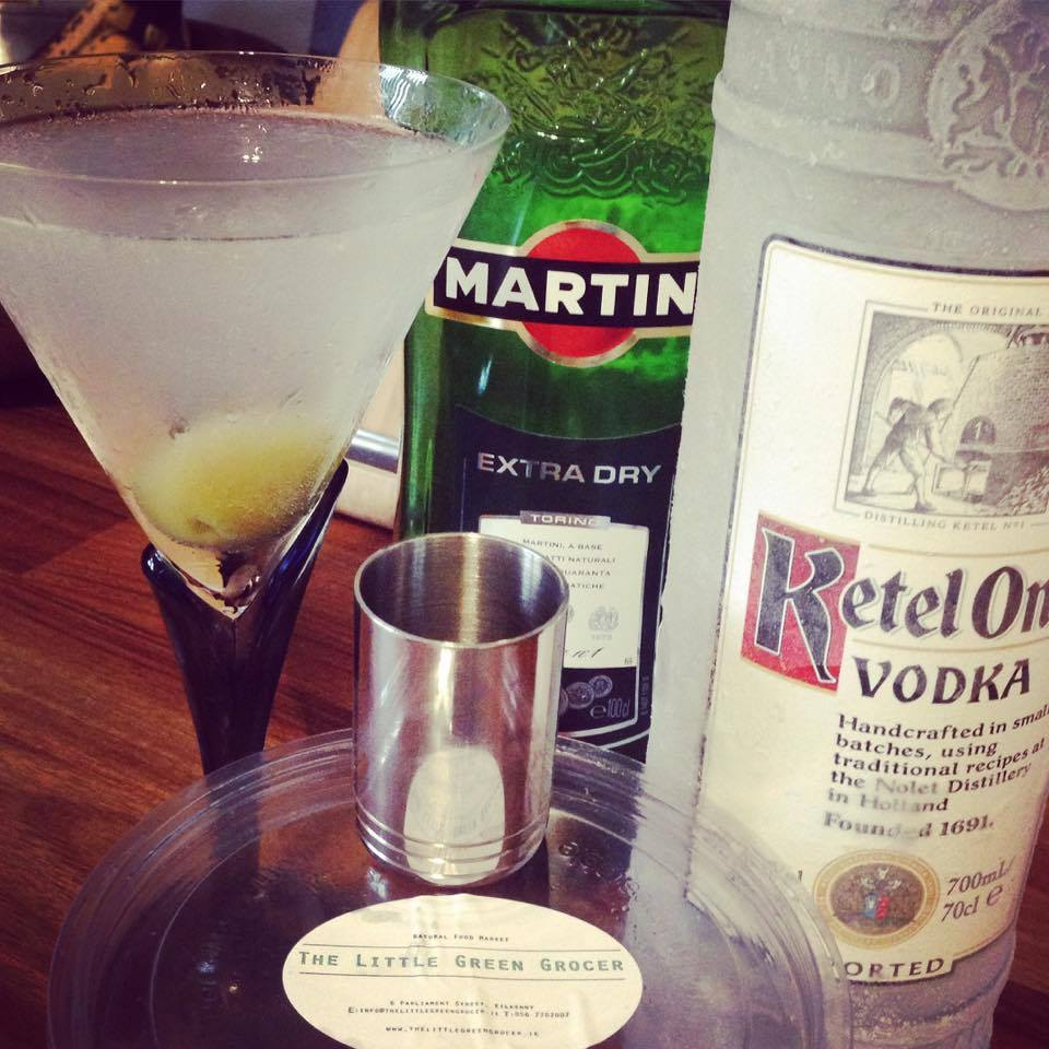 Drinks recipe vodka martini extra dry twist or dirty fresh to make a martini with a twist sisterspd