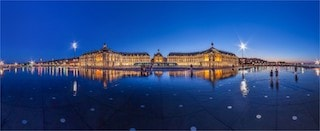 this pictures shows you one of the famous attractions in Bordeaux, the water mirror.